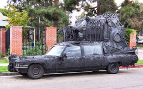 A car sculpture